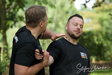 Bei der Aspis Defense Academy lernst Du, wie man sich mit Krav Maga effektiv verteidigen kann.