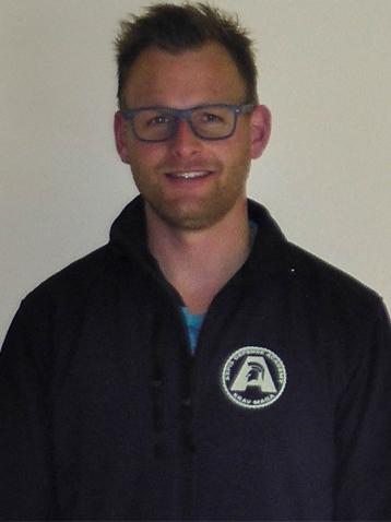 Nico ist Trainer beim Team von Aspis-Defense