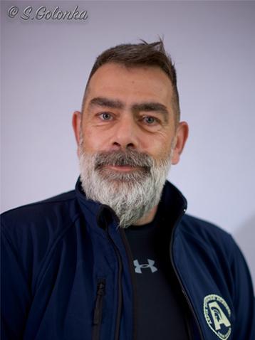 Thomas ist Trainer beim Team von Aspis-Defense