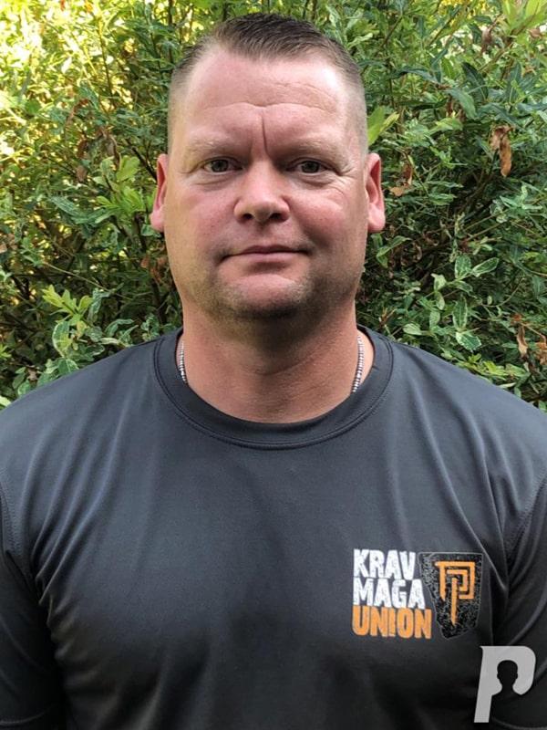 Christian ist der Inhaber und Schulleiter der Aspis Defense Academy in Delitzsch